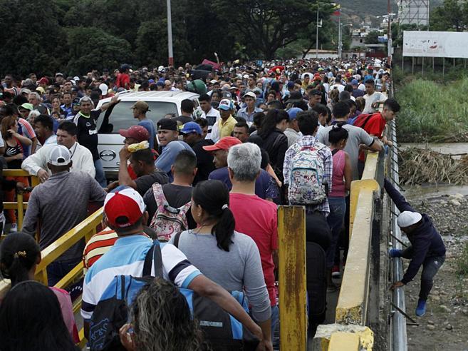 Fuga in massa dal Venezuela«È come nel Mediterraneo»