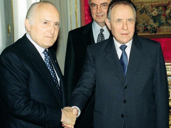 Scalfaro e l'attacco  sui fondi SisdeIl presidente rispose: «Non ci sto!»