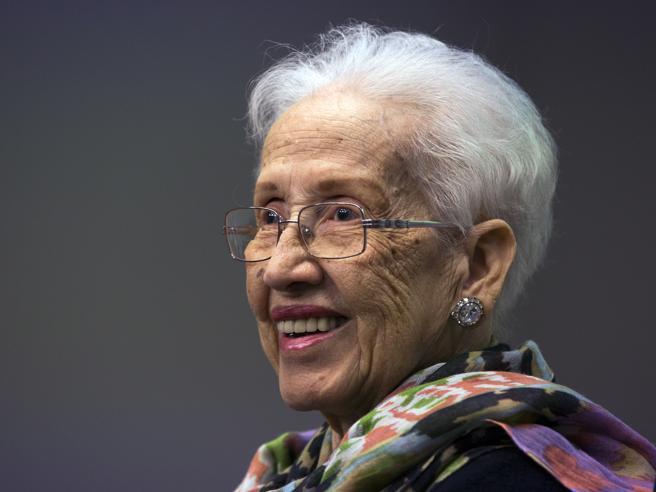 La Nasa festeggia i 100 anni di Mrs  Johnson, la fisica  che calcolò a mano la rotta  dell'Apollo 11