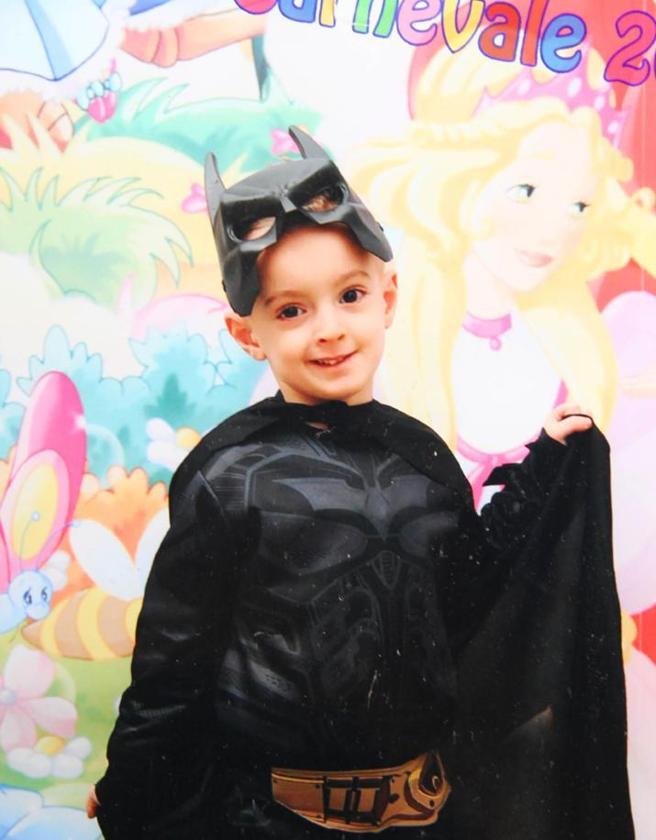 Con il cuginetto in sella al motorino: muore a nove anni, era senza casco