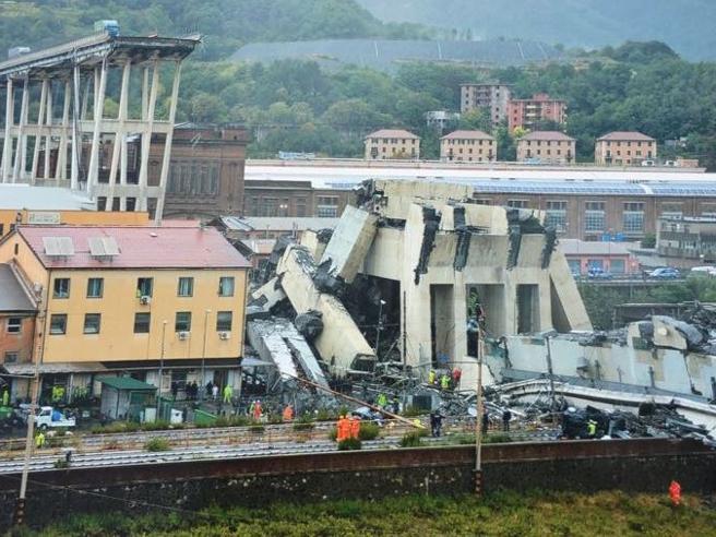 Genova, le foto inedite scattate pochi minuti dopo il crollo di Ponte Morandi