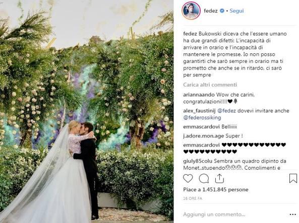 Auguri Di Matrimonio In Ritardo : Dallabito con i versi della canzone al si tutte le parole dei