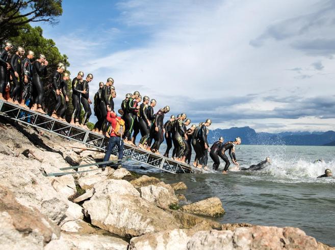 Lago, colline e bastioni patrimonio Unesco. Torna il triathlon a Peschiera