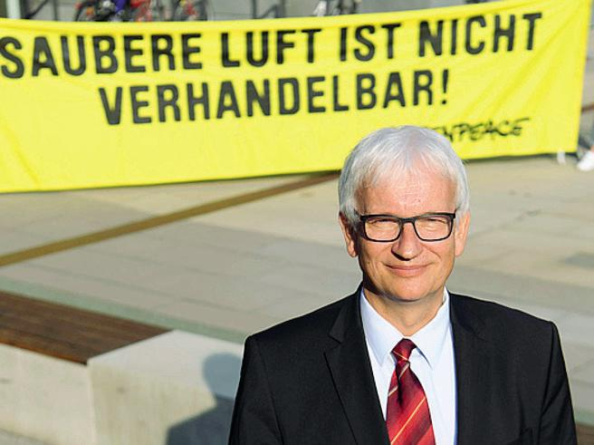 Resch, l'uomo più odiato dagli automobilisti che «ferma» il diesel tedesco