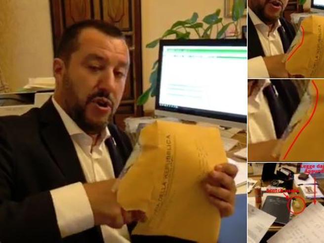 Salvini e  l'avviso: «Busta era aperta,  è stata una sceneggiata» Il video