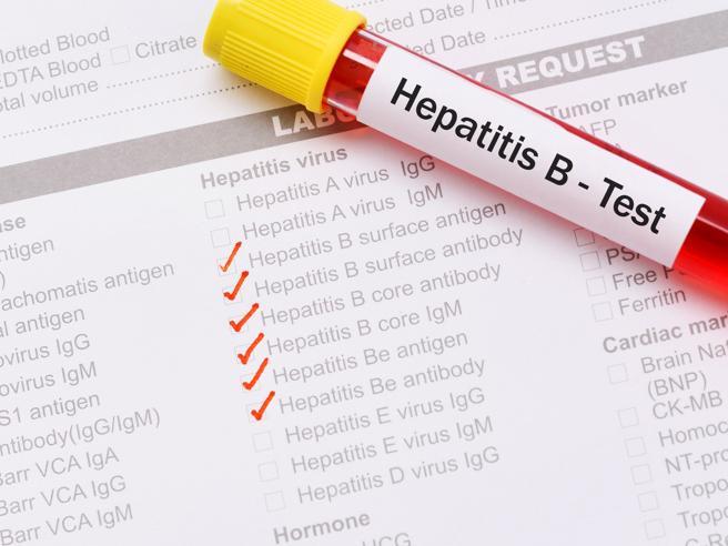 «Ho scoperto di avere l'epatite B:che rischi corro? Potrò guarire?»
