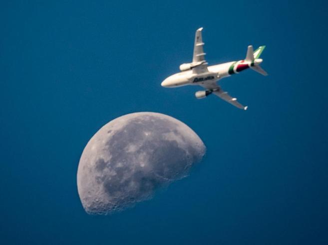 Alitalia e il caso degli aerei vecchi pagati come se fossero nuovi
