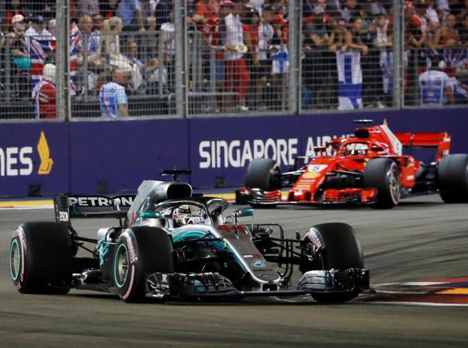 A Singapore domina Hamilton Delusione Ferrari, Vettel terzo (e con un distacco enorme)