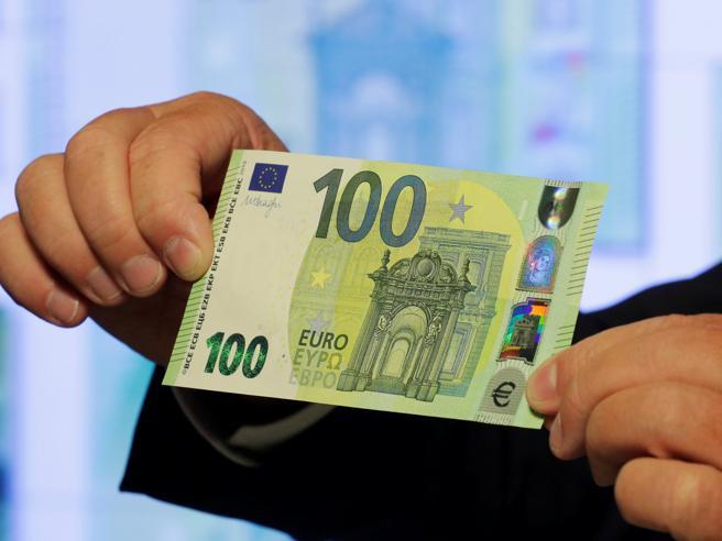 Nuove banconote da 100 e 200 euro: sono a prova di falsario|foto