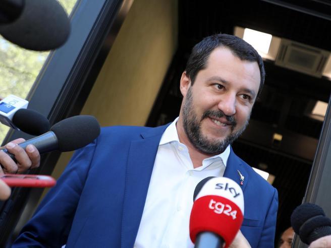 Soldi della Lega, accordo con i pm: via 600mila euro l'anno Il conto sarà saldato nel 2094