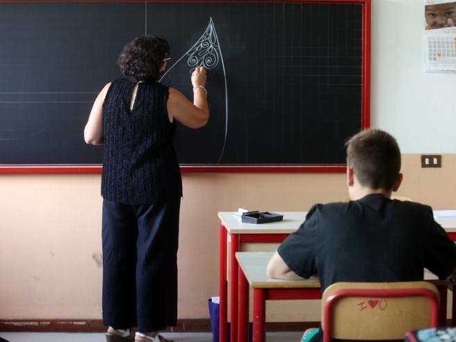 Lecco, lo «sciopero» dei bambini contro il compagno violento: in classe solo in tre