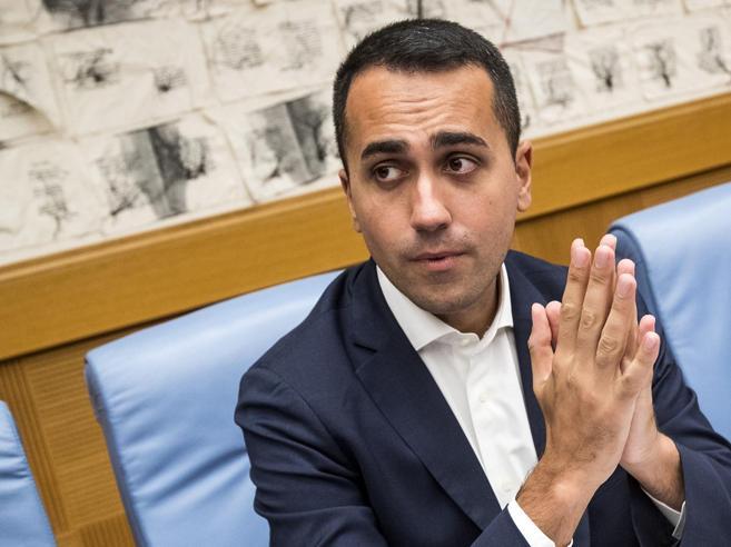 Di Maio: «Facciamo un po' di debito per abbassare le tasse».