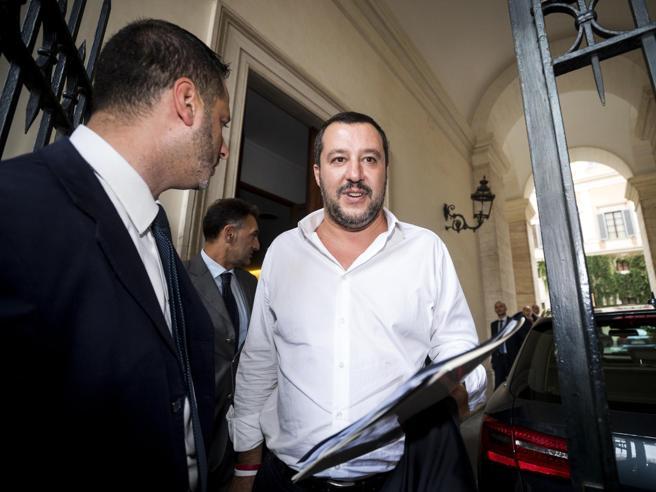 nuove tensioni nel governoI 5Stelle chiedono a Salvini un ripensamento sui migranti