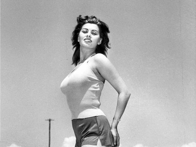 Tanti auguri Sophia Loren, i primi 84 anni di un'icona del cinema italiano