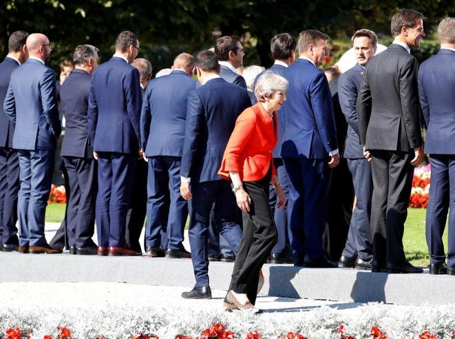 May, la Brexit e l'«umiliazione» Ue«Chiedo rispetto per Londra»