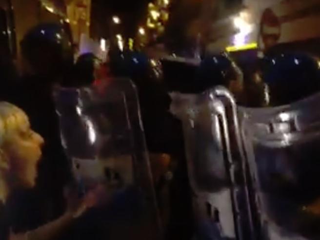 Bari, aggressione al corteo antirazzista:  2 manifestanti fe