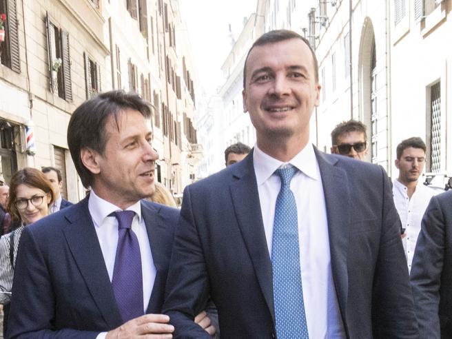 Rocco Casalino: «Stipendio da 6 mila euro al mese? Questione di merito, lavoro 7 giorni su 7 »
