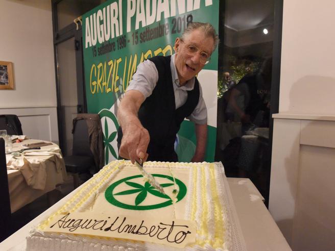 Umberto Bossi festeggia i 77 anni