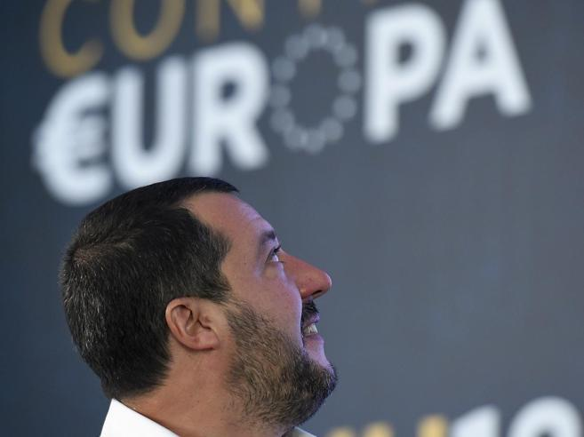 Salvini a Tria: «Il deficit non è  problema, serve coraggio.
