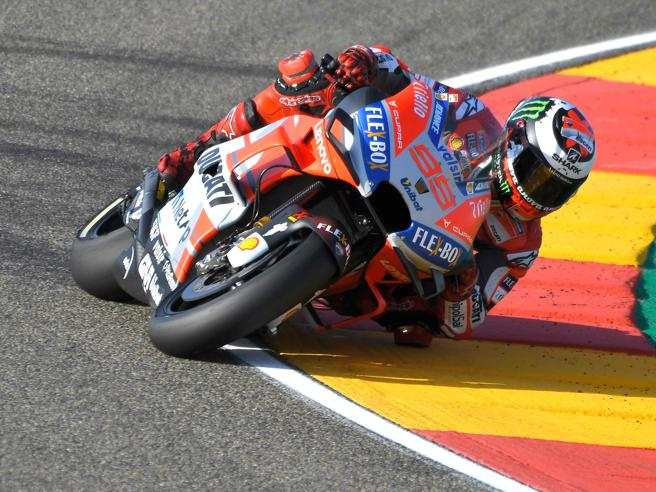 Moto Gp, Gp di Aragona: Lorenzo in pole su Dovizioso e Marquez, disastro Rossi
