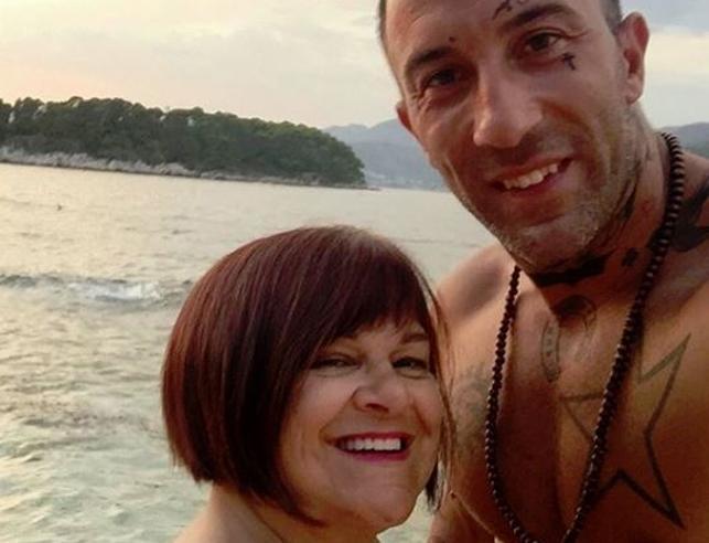 Stefania Pezzopane annuncia: «Io e Simone ci sposiamo»