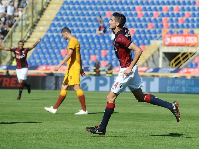 La Roma crolla a BolognaLazio sorride e piega il Genoa