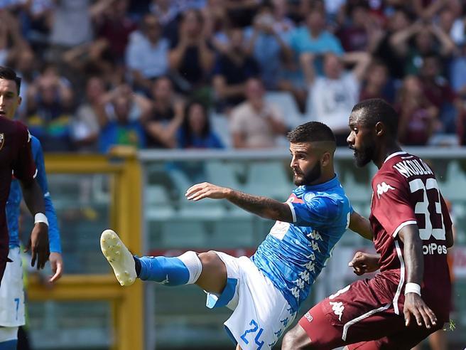 Torino Napoli 1 3: doppietta di Insigne, agganciata la Juve