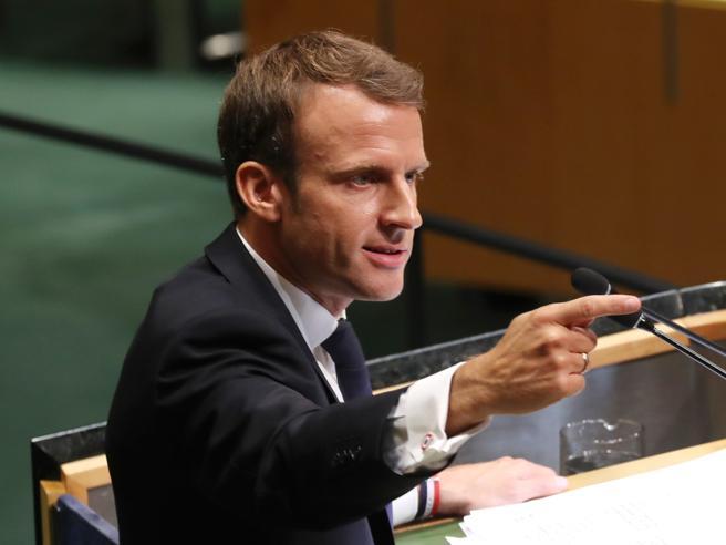 Macron: «Crisi tra Europa e Italia sui migranti». Conte: lui non è la Ue