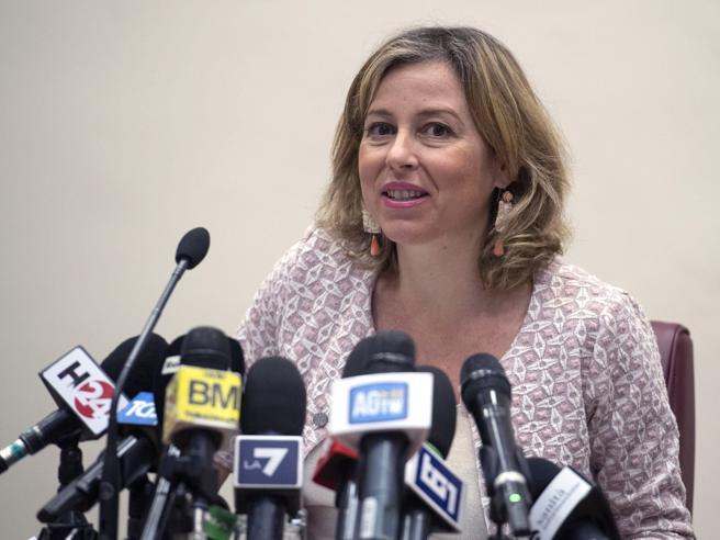 Obbligo vaccinale, Grillo: «Serve per il morbillo, non per l