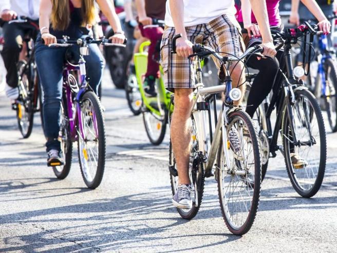 Piacenza città della bicicletta, per il secondo anno vince il Giretto d'Italia: al lavoro e a scuola tutti su due ruote