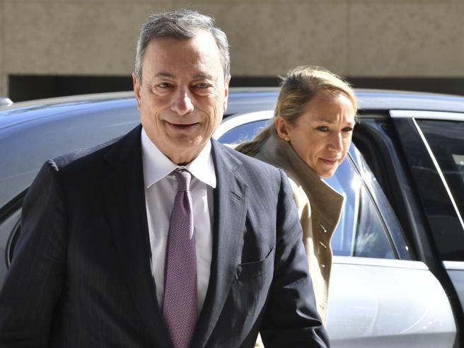 Draghi |  chi ha debito alto rispetti i patti  E l'Fmi boccia la manovra italiana