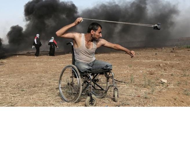 L'Intifada in sedia a rotelle vince il Prix Bayeux-Calvados per i corrispondenti di guerra