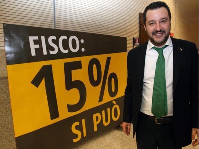 Flat tax al 15%, ma solo fino a 65.000 euroManovra, nuovo scontro Juncker-SalviniTagli ai vitalizi, c'è il sì anche del Senato