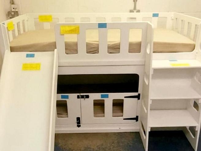 Testa incastrata nel lettino, muore a 7 mesi:  processo al progettista