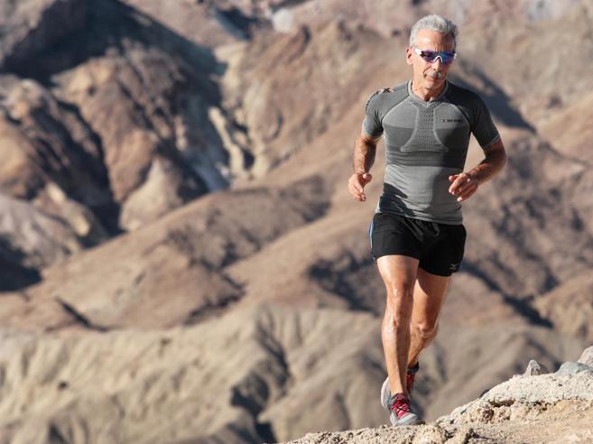 Giovanni Storti: «A 60 anni impari ad ascoltarti. La resilienza? Può rovinarti»