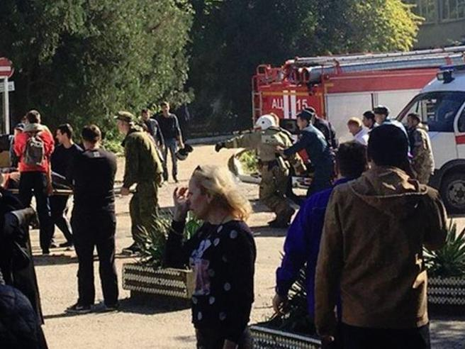 Crimea,  spari in un college Foto|Mappa Studente fa 17 morti