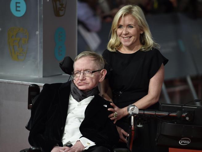 La figlia di Stephen Hawking: «Ho sentito la sua voce per l'ultima volta a  14 anni»