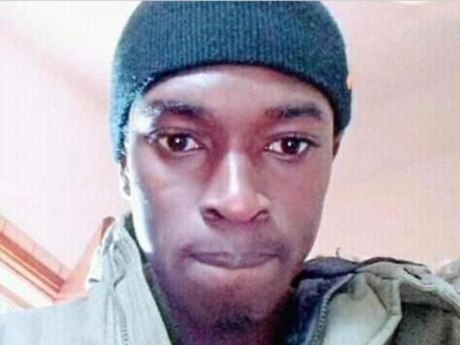 Immigrato di 22 anni si toglie la vita «Gli avevano negato l'asilo politico»
