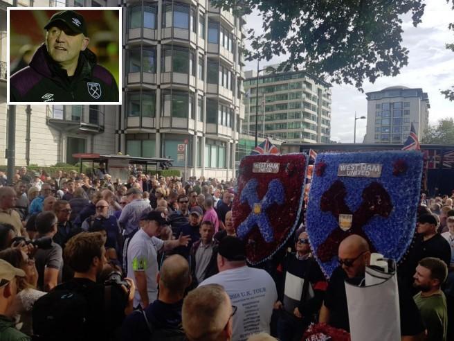 West Ham, allenatore sospeso per la marcia col gruppo di estrema destra