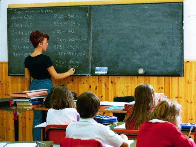 Bussetti: «In arrivo il concorso ordinario per maestri laureati»