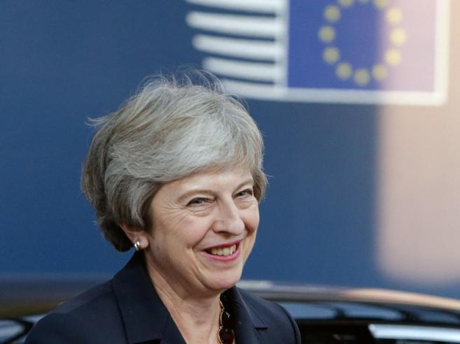 May non offre novità, Brexit a un punto morto: «No deal» o proroga?