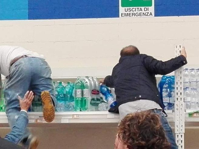 Matera  senza acqua potabile per dieci ore, corsa ai supermercati