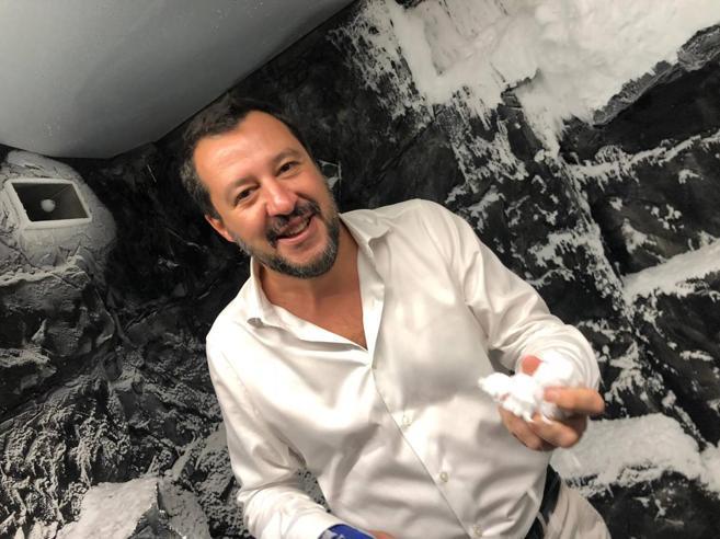 Salvini: «Se i 5 Stelle hanno cambiato idea basta dirlo».E Di Maio: «Si vuol far cadere il governo su un condono?»