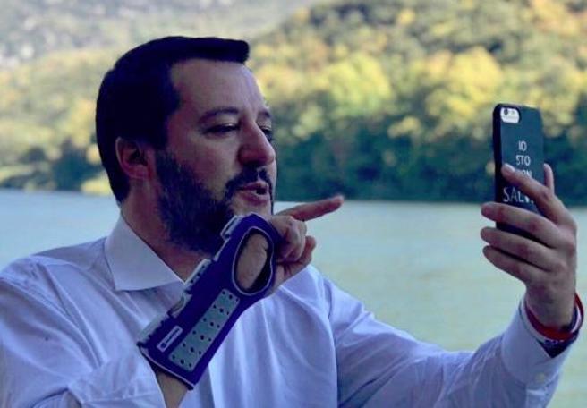 Salvini: «Il governo non cadrà, ma non ci sto a passare per scemo». Di Maio: «E io non sono bugiardo»