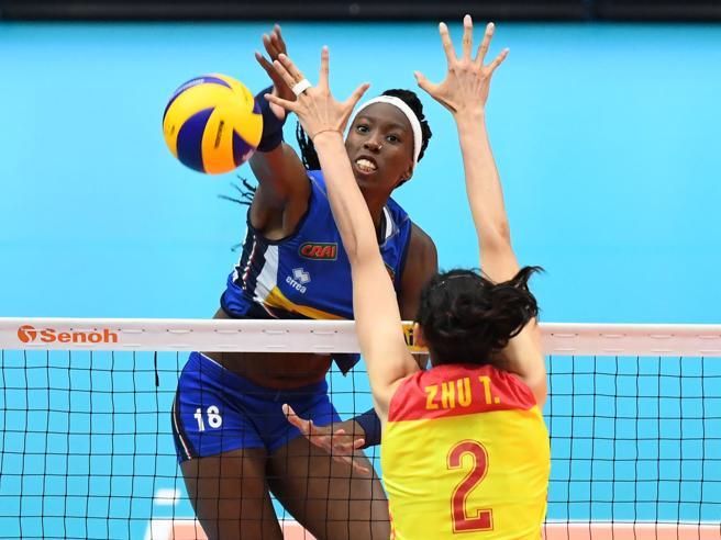 Pallavolo, l?Italia si prende la finale: Cina battuta 3-2 al tie break. Sabato con la Serbia per l?oro|Immensa Enogu: il martello frantuma record