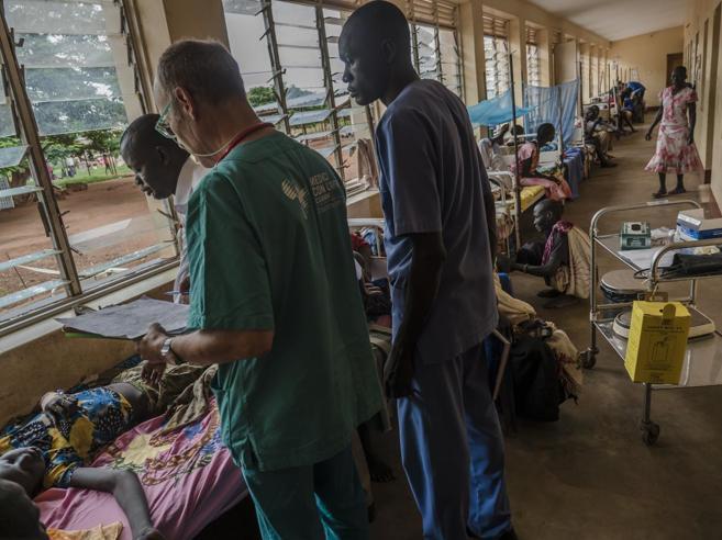 Medico scampa all'incidente aereo: «Voglio tornare da chi mi ha salvato»