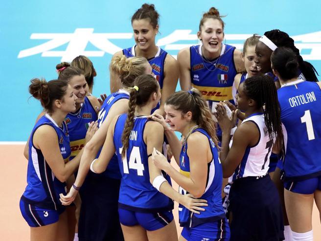 Volley, finale mondiale: Italia-Serbia 25-21,  primo set alle azzurre |  La diretta