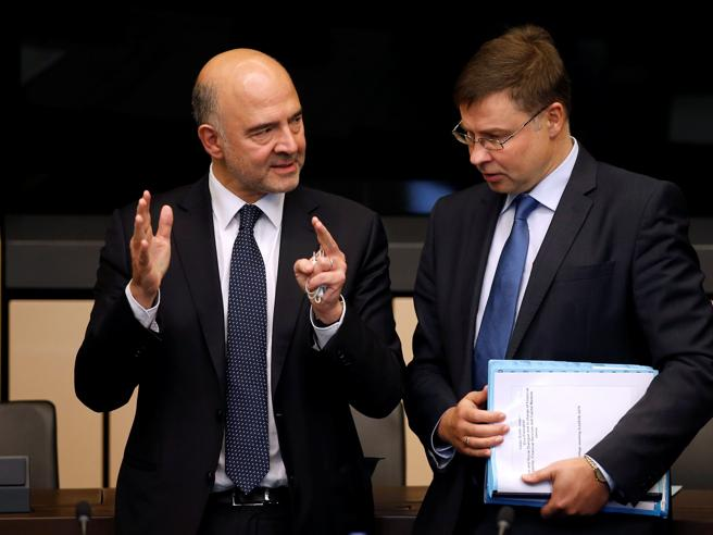 La Ue boccia la manovra: «In  3 settimane  nuova bozza». Lo spread risale a 310