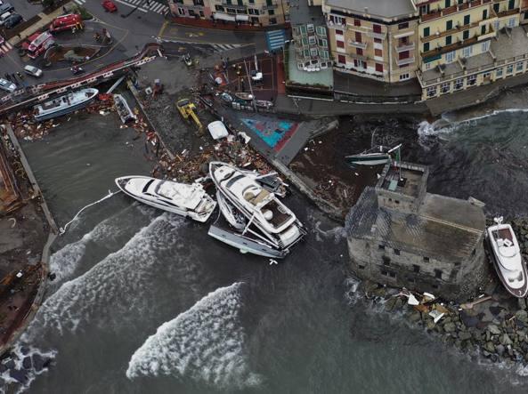 Maltempo a Rapallo, il racconto: «Il mare devastava gli yacht. Noi 5 ore appesi a una fune»