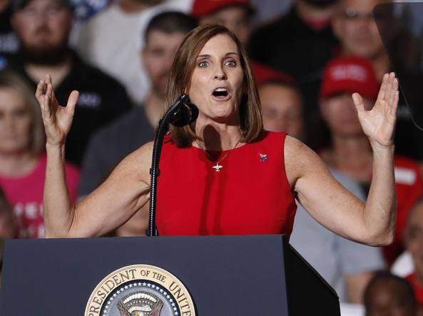 Midterm Usa: McSally, la top gun repubblicana che si è convertita a Trump